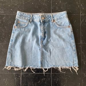 Topshop Light Wash Denim Mini Skirt Size 4